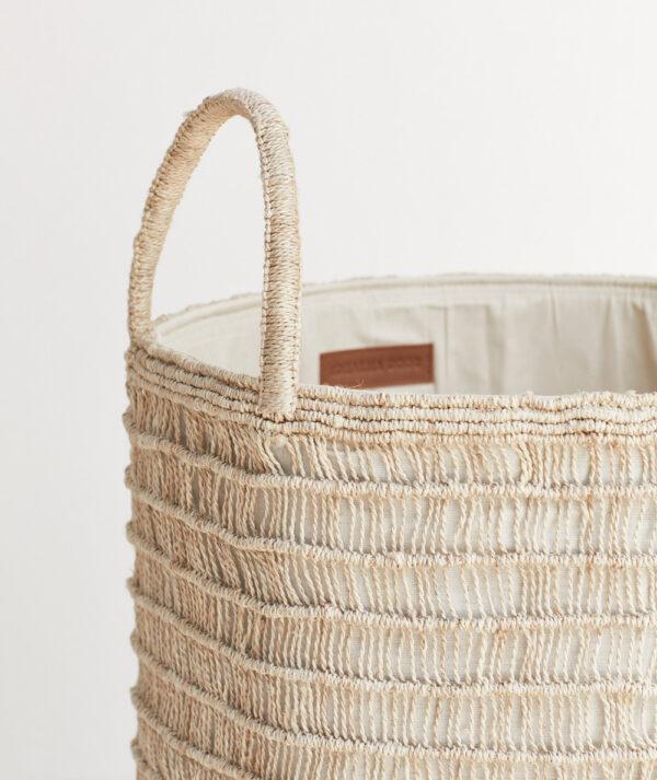 Vasketøjskurv i naturlig jute